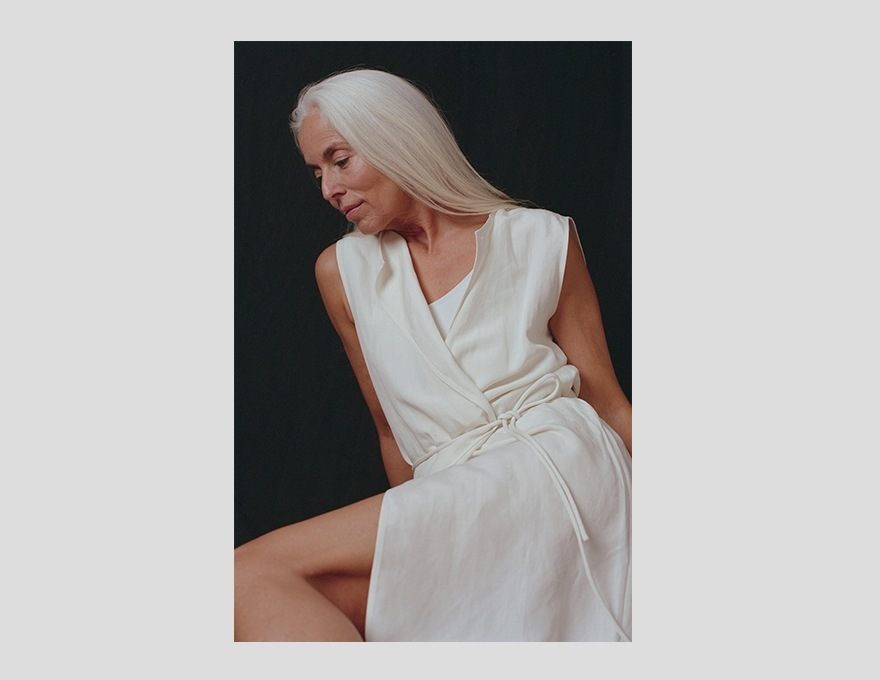 Yasmina-Rossi-en-Dresslyn-3