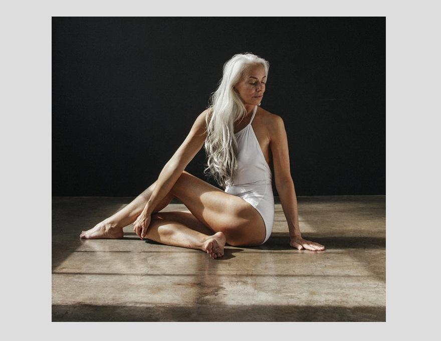 Yasmina-Rossi-en-Dresslyn-6