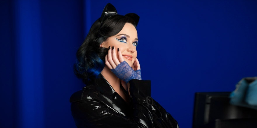 Katy Perry sort les griffes pour CoverGirl