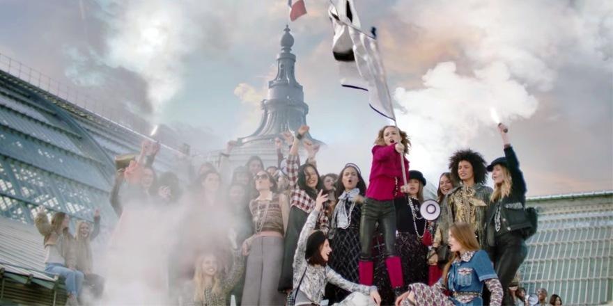 Calme luxe et Célébrité – LilY Rose Depp