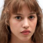 Lou de Laâge est la nouvelle ambassadrice de la gamme Irrésistibles de Givenchy